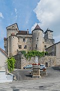 Castle of Salvagnac-Cajarc 01.jpg