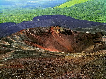 English: The main crater of Cerro Negro volcan...
