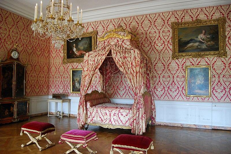 Fichier:Chambre de la Dauphine, Château de Versailles.jpg