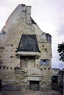 Chateau de Chinon-chimney.jpg