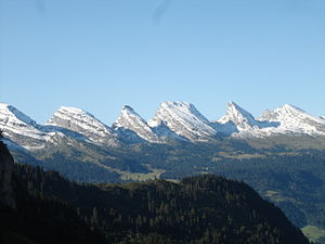 Churfirsten - The Churfirsten range as seen from the north (in September 2006); from left to right: Hinterrugg, Schibestoll, Zuestoll, Brisi, Frümsel, Selun.