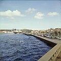 Collectie Nationaal Museum van Wereldculturen TM-20029832 Stadsgezicht gezien vanuit Schottegat Curacao Boy Lawson (Fotograaf).jpg