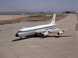 Convair 990 on ramp EC92-07173-1.jpg