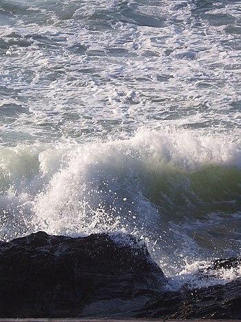 Cornwall Wave.jpg