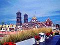 Costado de la Catedral de Puebla.jpg