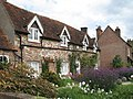 Cottages at Lee, Buckinghamshire - geograph.org.uk - 1492671.jpg