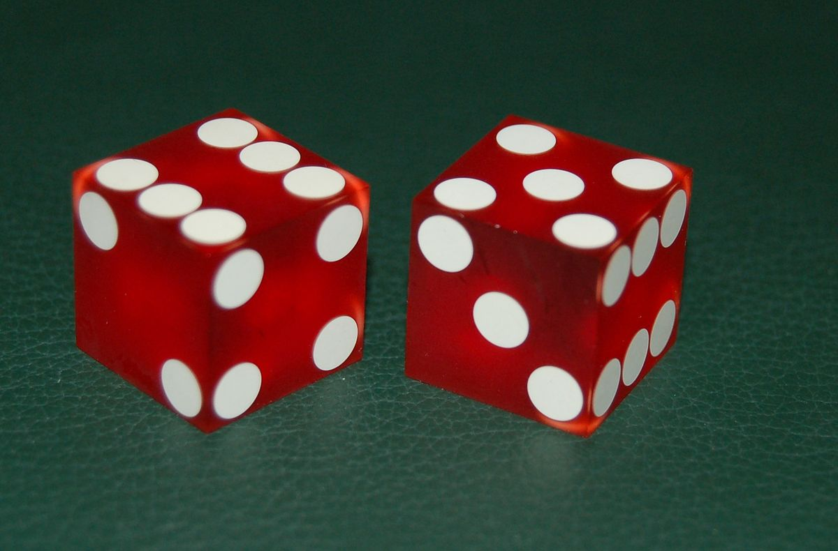 How to roll dice craps