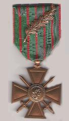 https://upload.wikimedia.org/wikipedia/commons/thumb/3/32/Croix_de_guerre_1_p.png/136px-Croix_de_guerre_1_p.png
