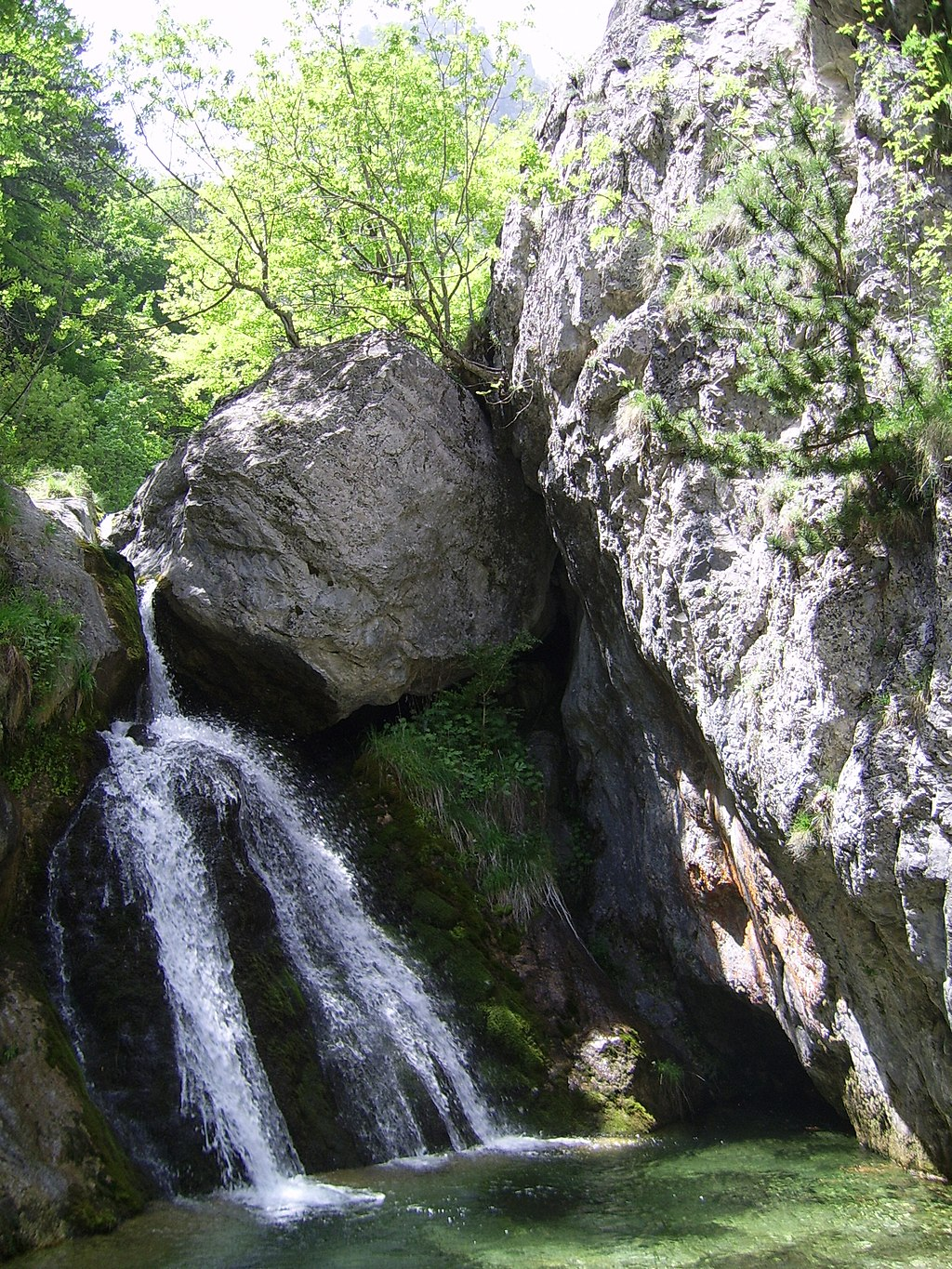 Crystalclean waterfall - panoramio