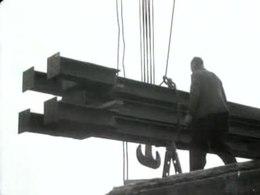 Bestand:De grote sluis in IJmuiden weer in gebruik genomen Weeknummer 46-30 - Open Beelden - 44355.ogv