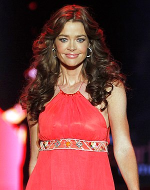 Denise Richards - Richards at the 2011 Heart Truth fashion show