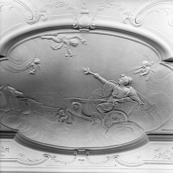 File:Detail stucplafond voorkamer - Gouda - 20082418 - RCE.jpg