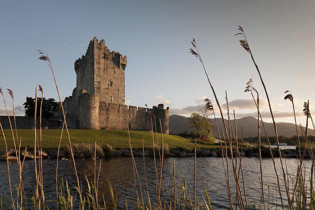 Dvorci koje verovatno nikada nećete posedovati - Page 3 1024px-Digital_Eye-2012-Ross_Castle-2