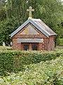 Dimechaux (Nord, Fr) chapelle entre jardinets du bourg.jpg