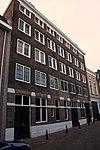 Pand met Pakhuis-gevel, parterre en vier verdiepingen
