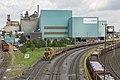 Duisburg HKM bedrijfsterrein loc 851 met platte wagens (28113209123).jpg