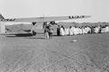 ETH-BIB-Flugzeug in der Wüste-Nordafrikaflug 1932-LBS MH02-13-0227.tif