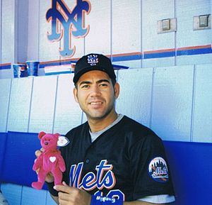 Edgardo Alfonzo - Alfonzo with the Mets on May 30, 1999