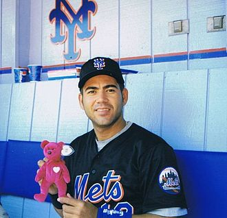 Edgardo Alfonzo - Alfonzo with the Mets on May 30, 1999