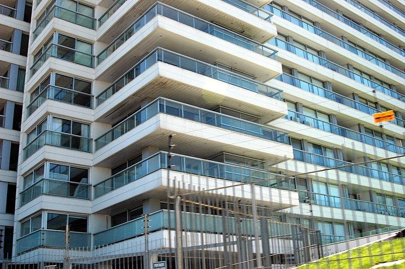 File:Edificio vistos desde Rambla Republica de Chile - panoramio.jpg