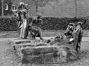 Edith-Stein-Denkmal Köln 04 sw.jpg