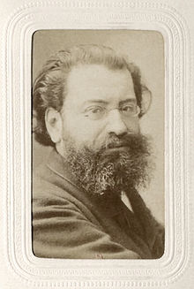 https://upload.wikimedia.org/wikipedia/commons/thumb/3/32/Edouard_Drumont_BNF_Gallica.jpg/220px-Edouard_Drumont_BNF_Gallica.jpg