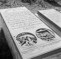 Een grafsteen op de joodse begraafplaats Beth Haïm op Curaçao, Bestanddeelnr 252-7319.jpg