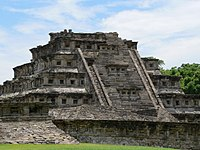 El Tajín, Nischenpyramide.fcm.jpg