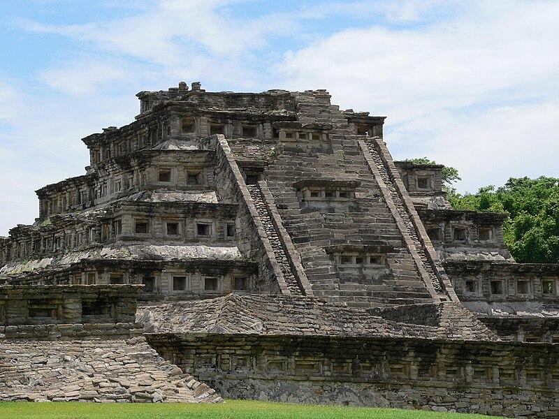 fuente historica arqueologica: