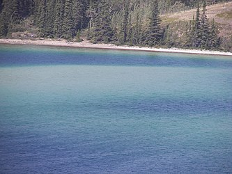 Emerald Lake, Yukon 7.jpg