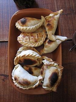 Empanada - Wikipedia f1a67aaaebd