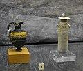 Enòcoa i alabastre de pasta vítria, Puig des Molins (Eivissa), museu de Prehistòria de València.jpg