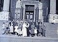 Esküvői csoportkép, 1946 Budapest. Fortepan 105195.jpg