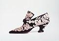 Evening shoes MET 53.267.14a-b.jpg
