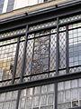 Fenêtre en vitrail de l'oriel du 79 rue Madame, Paris.jpg