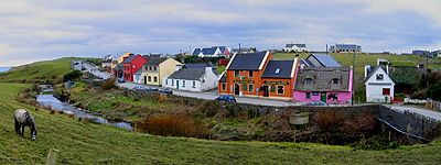 Fisherstreet Doolin Ireland 2005 (cut).jpg
