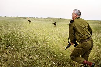 Benny Gantz - Chief of General Staff Benny Gantz trains with soldiers at a Paratrooper Exercise, 18 May 2011