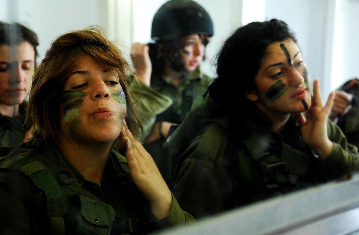 Прикольные картинки девушки военные, красивые открытки для