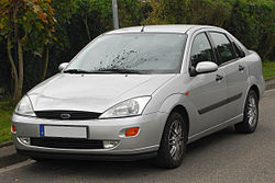 Ford Focus Stufenheck (1999–2001)