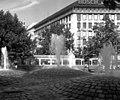 Fountains at Sendlingertorplatz - geo.hlipp.de - 3770.jpg