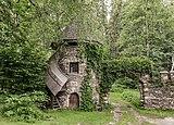Frauenstein Schloss Wasserablaufschleusenturm und Zinnen-Tor 20082015 5008.jpg