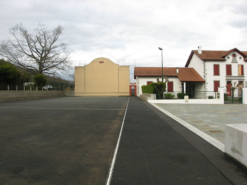 Pelota court and school of Larzabale (eu)- Larceveau (fr), Lower Navarre, Basque Country. Pyrénées-Atlantiques.