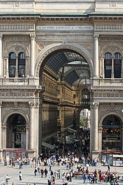 Galleria Vittorio Emanuele II: a triumphal arch motif in the Piazza del Duomo entrance