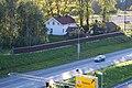 Gamle Økri skole, Bærum. Ny E-16 i forgrunnen.jpg