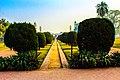 Garden outside Jahangir tomb.jpg