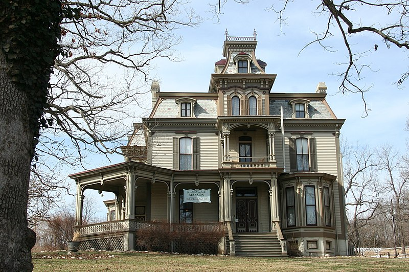 "My Favorite ""Dead and Breakfasts"" - Great places to sleep with a ghost"