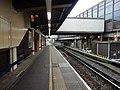 Gatwick Airport stn platform 1 look south2.jpg
