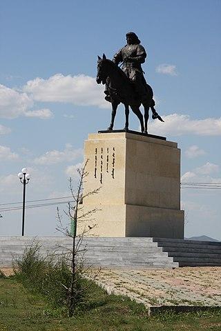 Памятник Чингисхану в аэропорту Улан-Батора