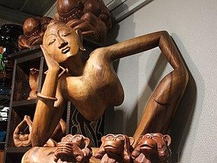 Una scultura in legno