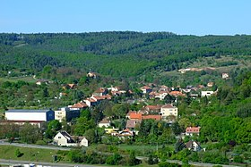 Global view on village of Lelekovice.JPG